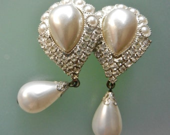 Long Dangling Pearl Earrings - 1960s wedding earrings with Italy brand - pearls and crystals for a sophisticated look and charming-Art.222/4