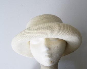 Vintage Cream Knit Wide Brimmed HAt