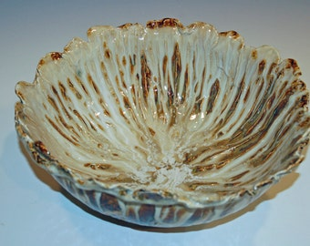 Large Pottery Bowl, Ceramics and Pottery, White and Gold, Ceramic Bowl, Home and Living, Serving Bowl, Kitchen and Dining, Hand Built