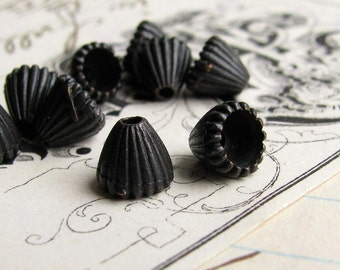 4mm cone bead cap from Bad Girl Castings - dark, distressed, aged black pewter beadcaps (10) black oxidized pewter BC-SG-041