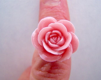 Mauve Pink Rose Cabochon Ring Lucite Chrissy Doodaba