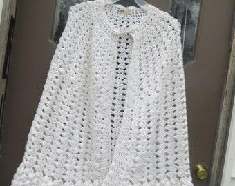 VINTAGE  1970S  white handmade  crochet sweater  poncho cape