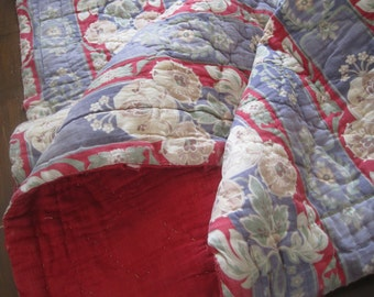 So charming - antique French hand made quilt, bed cover, sofa throw, lap rug, tablecloth, cotton, padded
