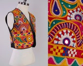 Vintage 70s embroidered and mirrored INDIAN vest / Bohemian tribal cropped top / Dense and colorful embroidery