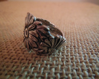 Antique Spoon Ring  Sterling Silver    Daisy
