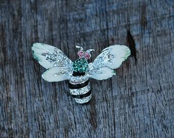 Bee Lapel Bin, Black and Silver Bee Pin, Costume Jewelry, Little Bee Pin, Sweater Pin, Fashion Accessories, Vintage Pin