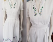 Vtg.40s White Cotton Hungarian Style Embroidered Folk Dress.Small.Bust 36.Waist 27.