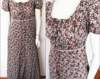 Vtg.70s French Floral Peasant Maxi Dress by Creations Paris.Size small.Bust 36-38.Waist 28.