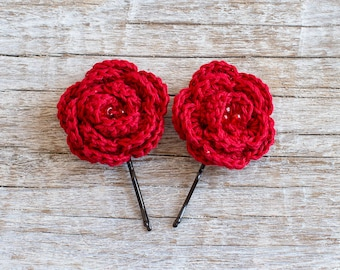 Red crochet flower bobby pins - Set of 2 Christmas