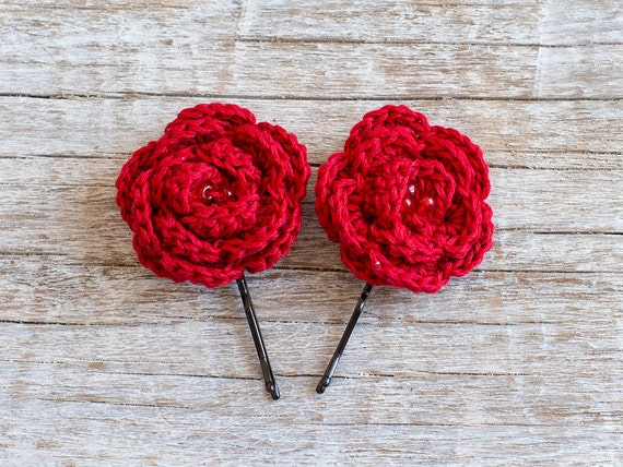 Red crochet Flower bobby pin, Hair Clip, Flower Hair Accessories, Crochet Flowers, Flower Hair Pin, girls hair accessories, Set of 2