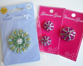 Glamour Gems Buttons 1 inch ruby in silver, 3/4 inch to match, Blue and green brooch