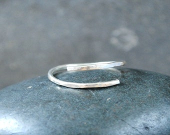 Hammered silver ring - Wave Ring