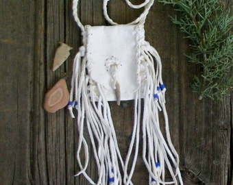 White deerskin medicine bag , fringed medicine bag , handmade deerskin pouch , tribal pouch