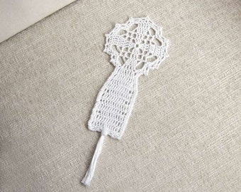 Christian Cross Crochet Lace Bookmark, Spiritual Fiber Art, Catholic Symbol of Faith