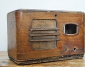 Vintage Tube Radio Wood Cabinet Case Musicaire