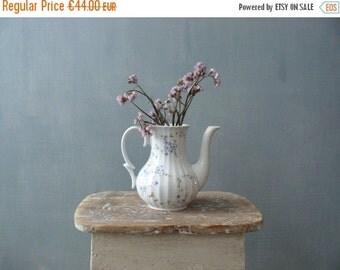 30% OFF SALE / Vintage teapot. White porcelain teapot. Tiny flowers china teapot