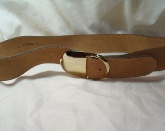 Bullocks Wilshire Tan Leather Belt with Gold Tone Buckle.