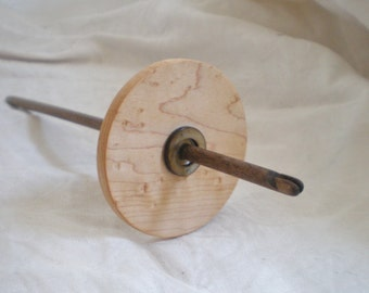 Split Notch Spindle High Whorl Bird's Eye Maple and Walnut with Shell  26 g
