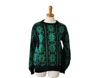 30% off sale // Vintage 70s SKI Green Black Sweater - Moss Creek Trader - Men M - Nordic Snowflake
