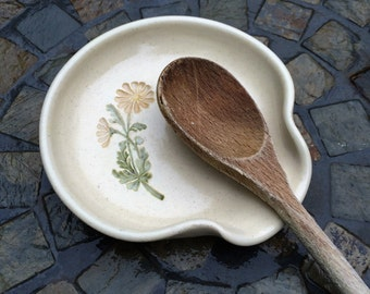 Ceramic Spoon Rest, Daisy Spoon Rest in Cream