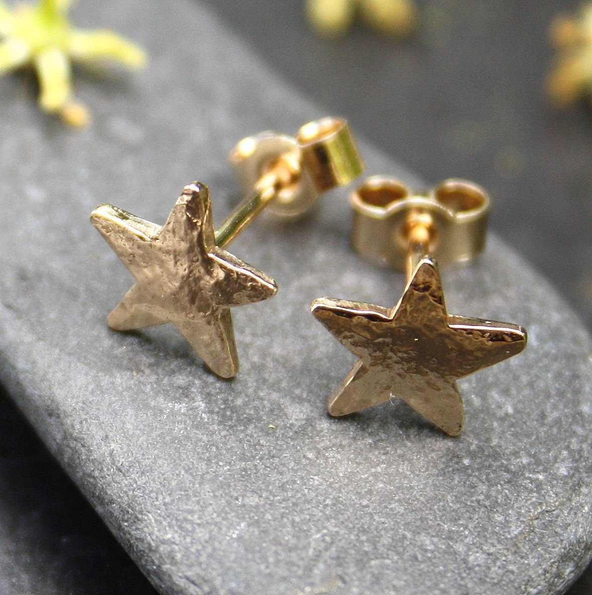 Small gold star stud earrings ct