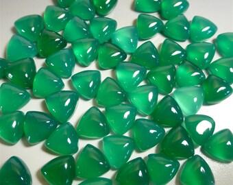 Green Onyx Cabochon - 8mm Trillion Cabochon - Jewelry Supplies - Designer Cabochon - GN05