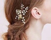 GoldFlower Hair Piece, Bridesmaid Leaf Hairpin, Floral Bridal Hair Accessory, Gold Wedding Haircomb {Golden Leaf Hairpin}