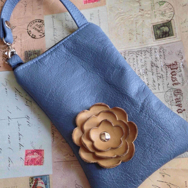 Honey Gold Slate : Slate blue leather with honey gold mustard poppy flower cell