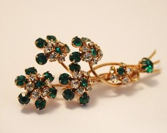 Vintage green crystal brooch.  Flower brooch
