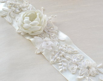Handcraft Elizabeth  Ivory Flowers Bridal sash Belt / Wedding Dress Sash