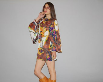 1960s Vintage Boho Angel Sleeve Floral Psychedelic Boho Hippie Festival  Short Mini Dress - 60s Mod Dress -  1960s Floral Dress -   WD0836