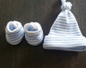 hat and booties for 5  inch baby