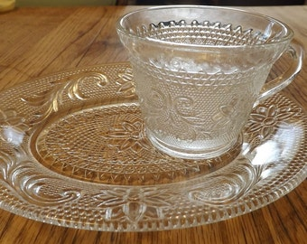 Indiana Glass Company Sandwich Snack Tray And Cup