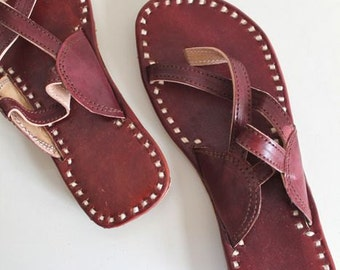 50% OFF...last call || vintage leather sandals - HALF MOON brown ethnic sandals  / sz 7