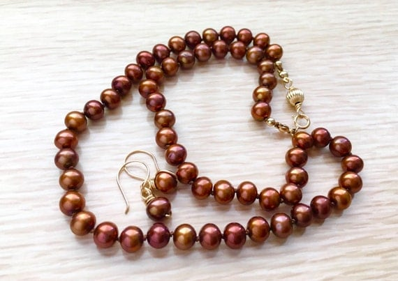 Cinnamon Tone Freshwater Cultured Pearl Necklace Earring Set