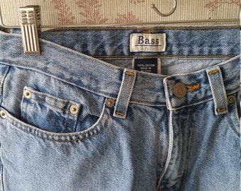 Classic 90s Bass cropped flare jeans size 4