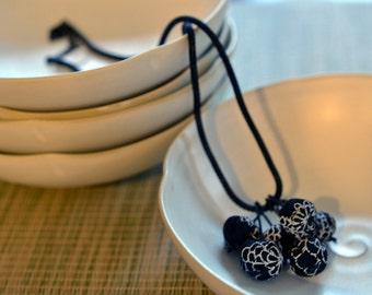 mini chirimen hanamaru necklace black