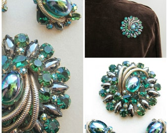 Vintage Juliana D & E Demi Parure   / 1960s Brooch and Clip On Earring Set in Green Moonstone, Rhinestone, Hematite, Snake Chain