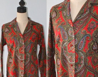 50% OFF SALE 1970s Paisley Blouse . Vintage 70s Red Paisley Shirt Blouse . Size Large