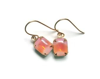 Peach earrings Peach opal earring Peach drop earrings Coral drop earrings Vintage dangle earrings Vintage drop earrings Opal dangle earrings