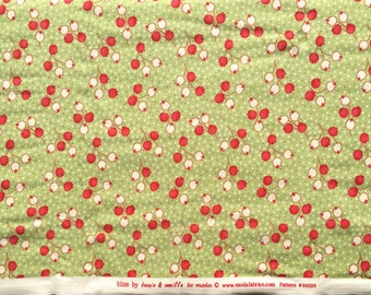 SALE : Bliss Bonnie & Camille moda fabric flower buds green FQ or more