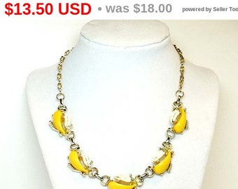 Vintage Lucite Necklace - Yellow Cabs & White Enamel Leaves - Chocker Style 1950's