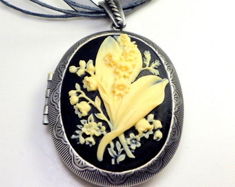 Large Cameo Locket, Lilley of the Valley Cameo, Ivory on Onyx Black, Gothic style, Classic Pendent, Gunmetal