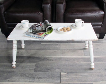 Vintage Ethan Allen Baumritter Colonial Coffee Table with Shabby Creamy White Finish