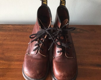 Vintage Brown Dr. Martens England 8 hole  lace up boots size UK 6