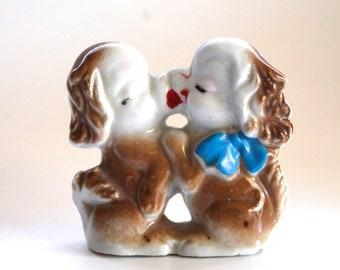 Vintage 1940's Kissing Dogs Ceramic Carnival Prize Figurine!