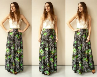 Vintage 1970's Hippie Psychedelic Floral Print Maxi Skirt Size Small