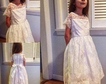 Eyelash Lace and Shantung Silk white First Communion or Flower Girl Dress size 6 MB10039