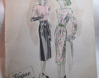 "Antique 1947 Vogue Pattern #366 - size 30"" Bust"