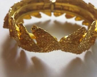 Stylish Vintage Gold Tone Bracelet
